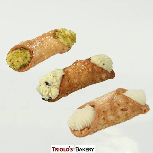 Cannolis at Triolo's Bakery