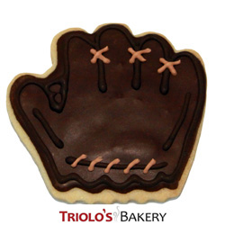 The Baseball Glove Cookie Favor, perfect for baseball themed parties, world series party, little league celebration, high school baseball team parties, fundraisers, and championship parties.