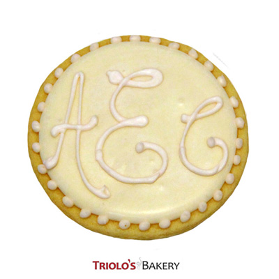 The Elegant Monogram Favor, perfect for Weddings, Engagement Showers, Graduation, Promotion, and Boss Appreciation Day.  Add to a gift basket or cookie bouquet.
