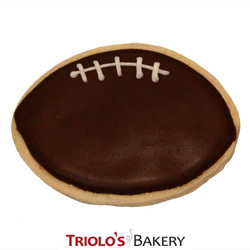 The Football Cookie Favor, perfect for superbowl parties, playoff parties, sunday football parties, monday night football, football team celebrations, football team congratulations, fundraisers, and concession stands. Send in a gift basket or cookie bouquet.