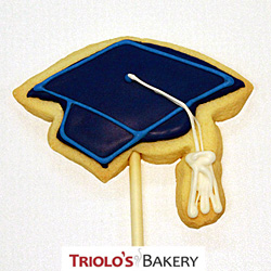 The Graduation Cap Cookie Favor, perfect for the graduate, the graduate class, and graduation parties.  Send in a gift basket or cookie bouquet.