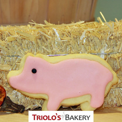 The Pink Piglet Cookie Favor, perfect for farm stands, NH Fair grounds, 4-H Fair, petting zoo and farm themed parties.  Send in a gift basket or cookie bouquet.