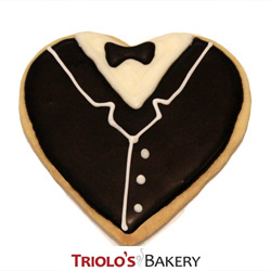 The Tuxedo Cookie Favor, perfect for wedding favors, gala favors, formal event favors, and prom favors. Send in a gift basket or cookie bouquet.